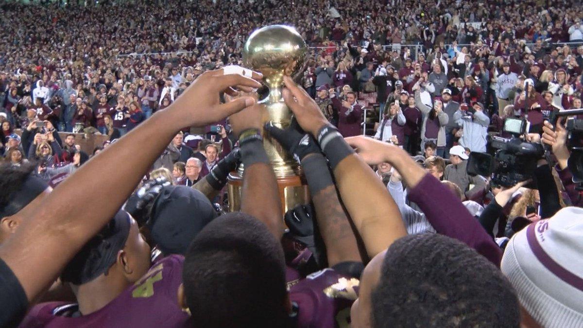 Mississippi State Celebrates An Egg Bowl Victory