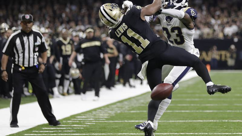 New Orleans Saints wide receiver Tommylee Lewis (11) works for a catch against Los Angeles Rams...