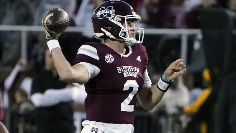 Mississippi State quarterback Will Rogers (2) passes against Alabama during the first half of...