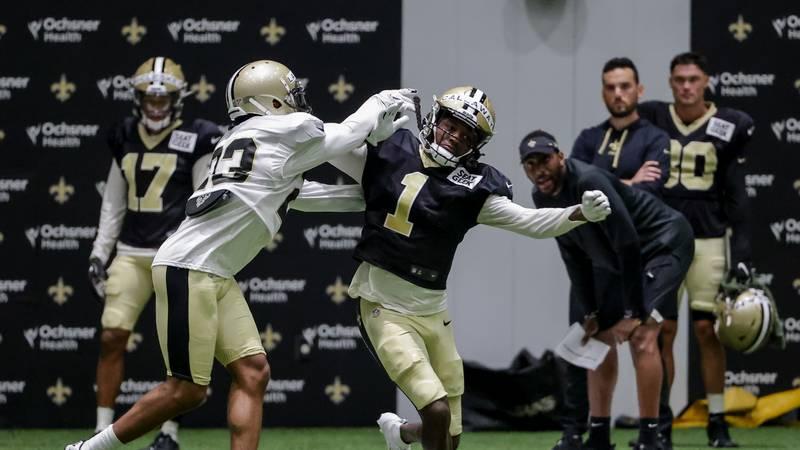 New Orleans Saints wide receiver Marquez Callaway (1) works against cornerback Marshon...