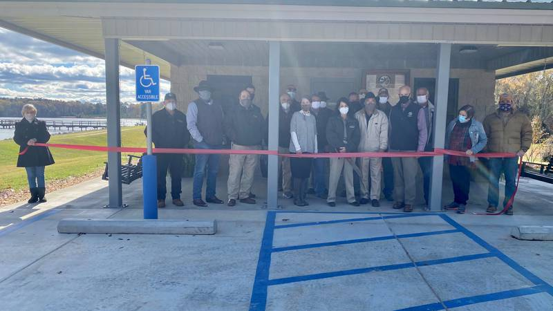 MDWFP and other state officials cut ribbon for Neshoba Lake office