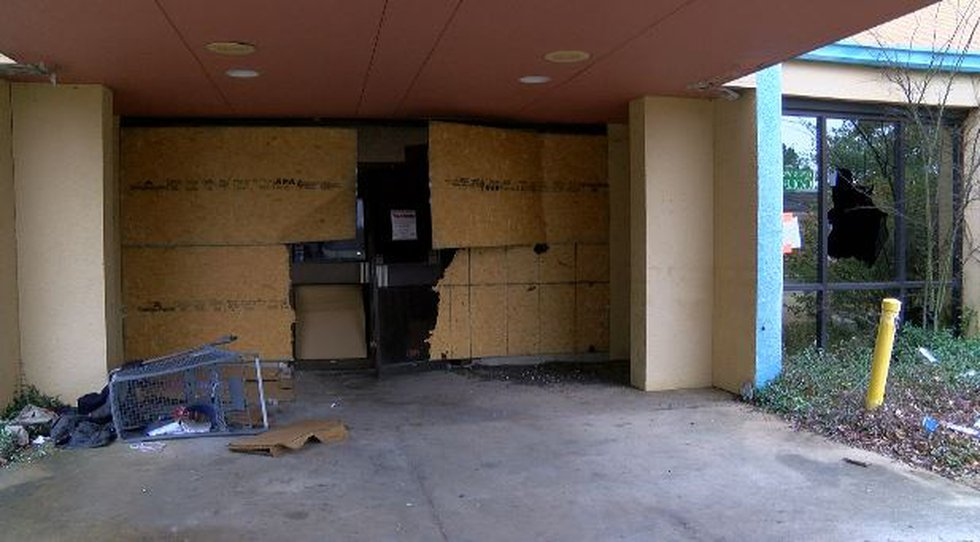 The former Ralph & Kacoo's restaurant on County Line Road as it appears today (Source: WLBT)