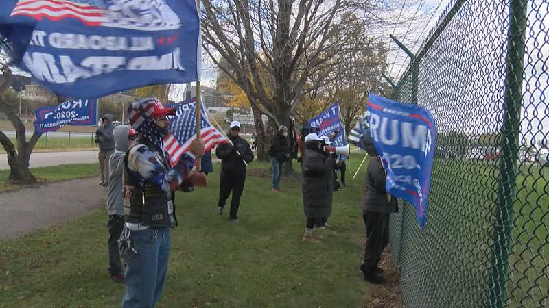 Counter-protesters at Biden rally