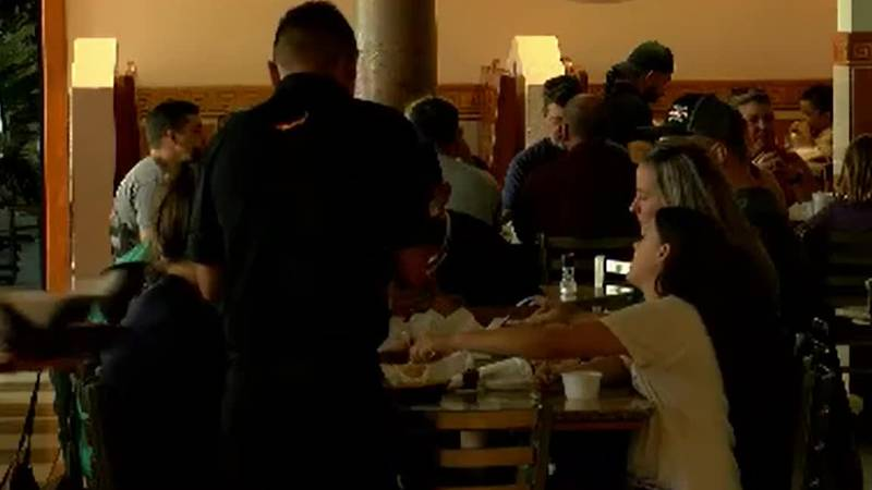 Some restaurants stick with COVID-19 protocols to avoid another shutdown as cases surge
