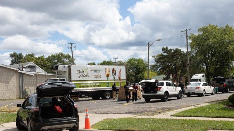 Mississippi Food Network gifted 26 ft truck, $26K  from Darden Restaurants