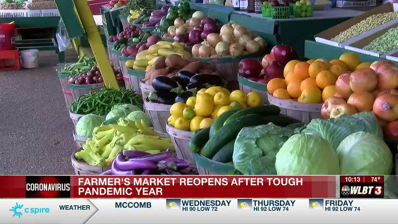 Farmer's market reopens to eager customers after tough pandemic year