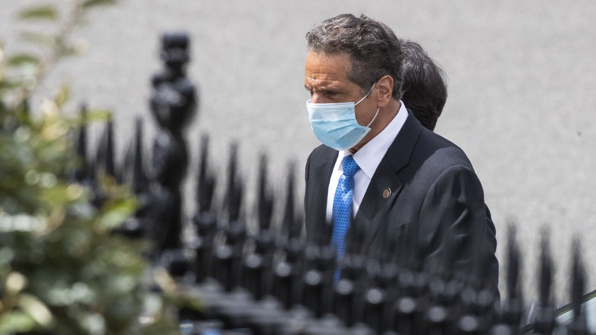 New York Gov. Andrew Cuomo walks towards the West Wing as he arrives at the White House for a...