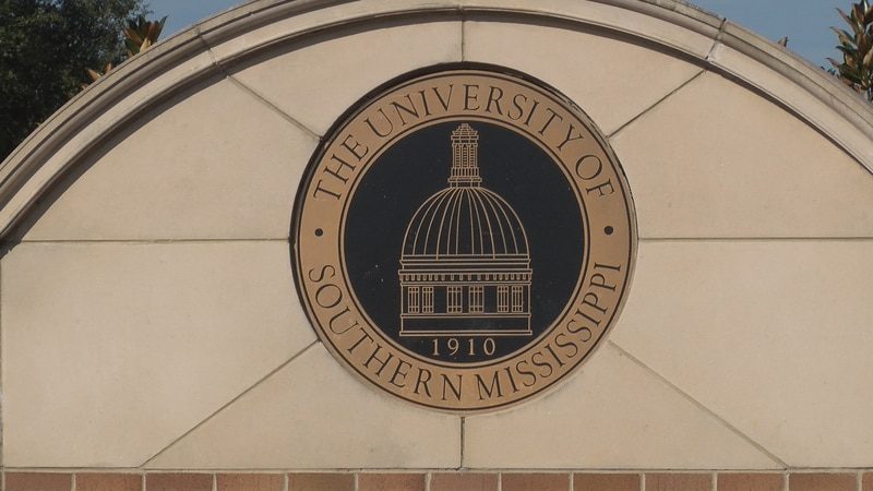 USM students react to the Tuesday vote approving a new state flag for Mississippi.