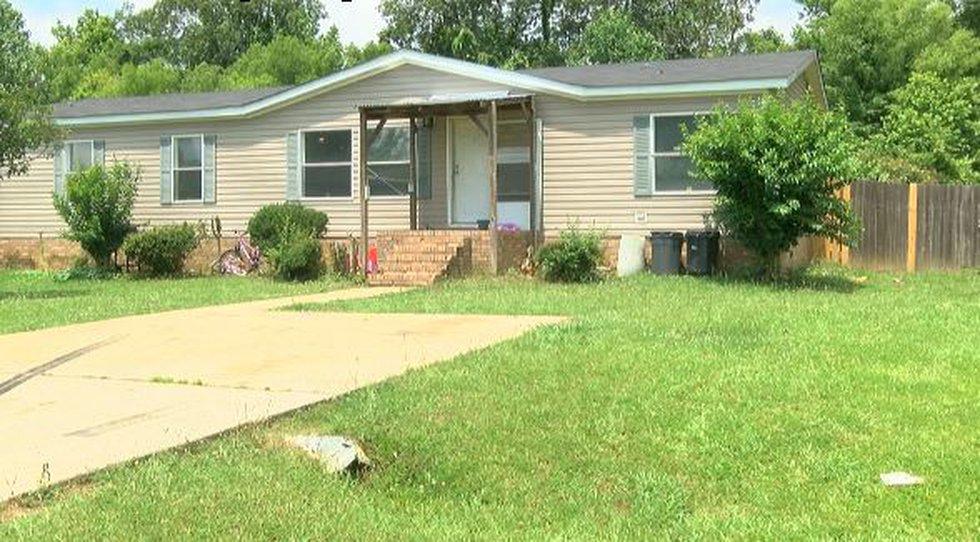 Travis Brewer and Amanda Morris' home in Rankin County (Source: WLBT)