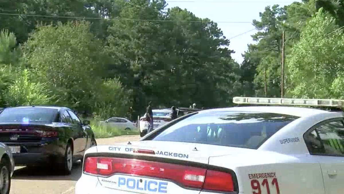 1-year-old dies after being accidentally shot by 14-year-old in Jackson