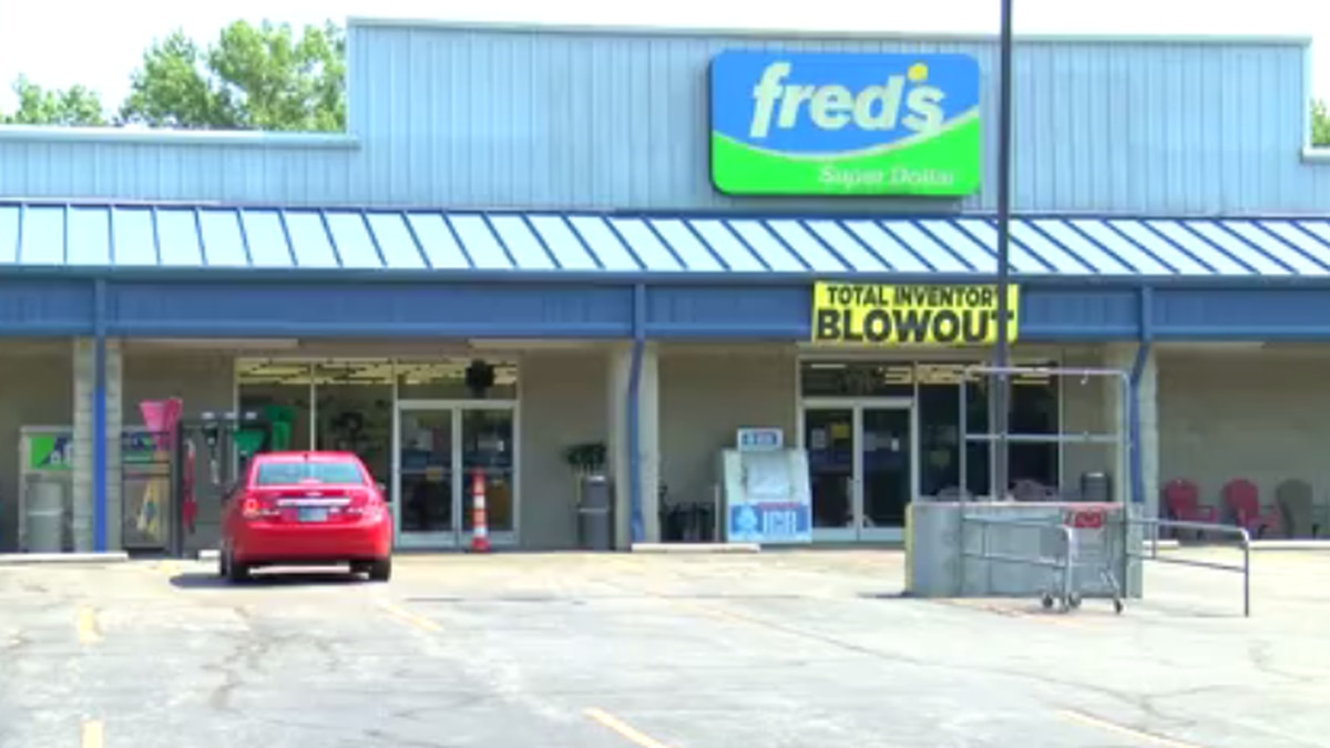 Fred's in Oakland City to close after company filed for bankruptcy.