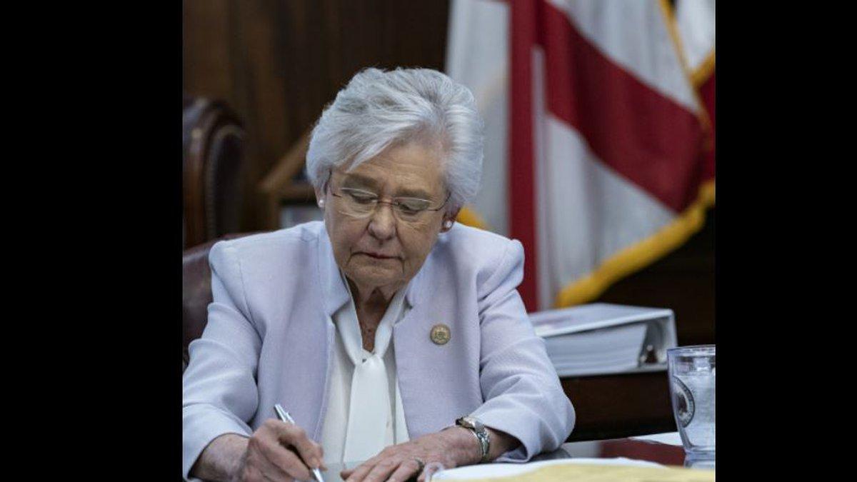 Gov. Ivey signs bill banning vaccine passports
