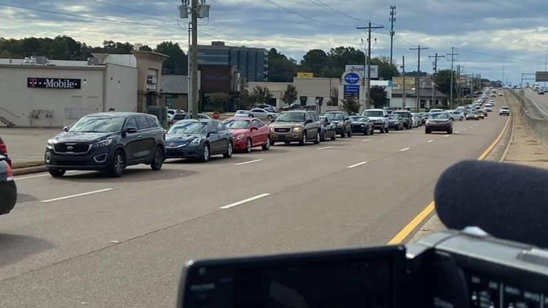 The line outside Kroger on I-55
