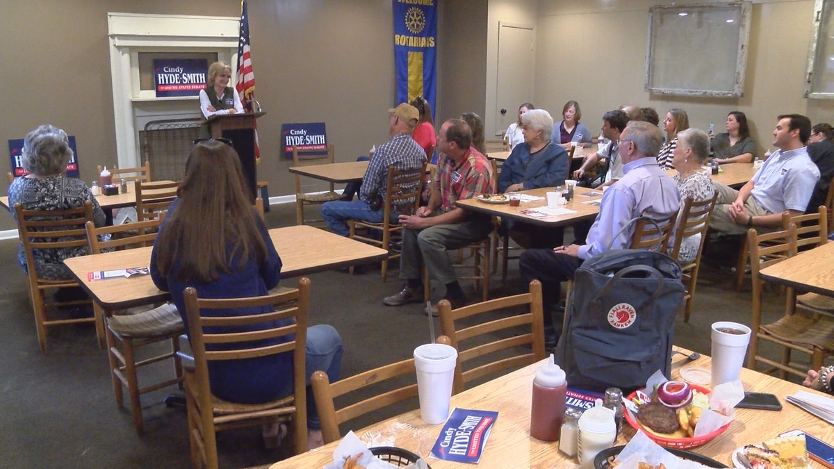 U.S. senator Cindy Hyde-Smith speaks to supporters at Morgan's on Main in Collins Saturday.