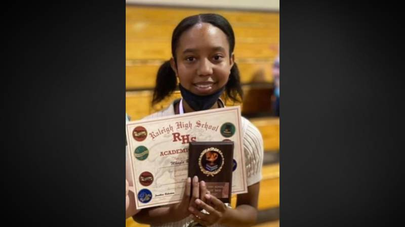 8th grader's sudden death from COVID shocks her small Mississippi community
