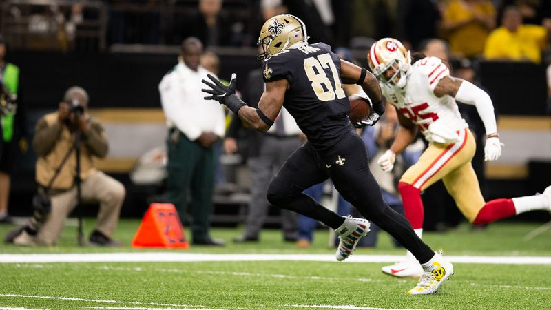 Drew Brees connects with Jared Cook for a TD against the Niners. (Source: mark LaGrange)