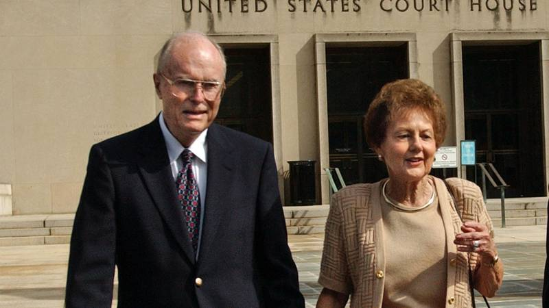 FILE - In this Sept. 2, 2003 file photo, from left, Jack and Jo Ann Hinckley, parents of John...