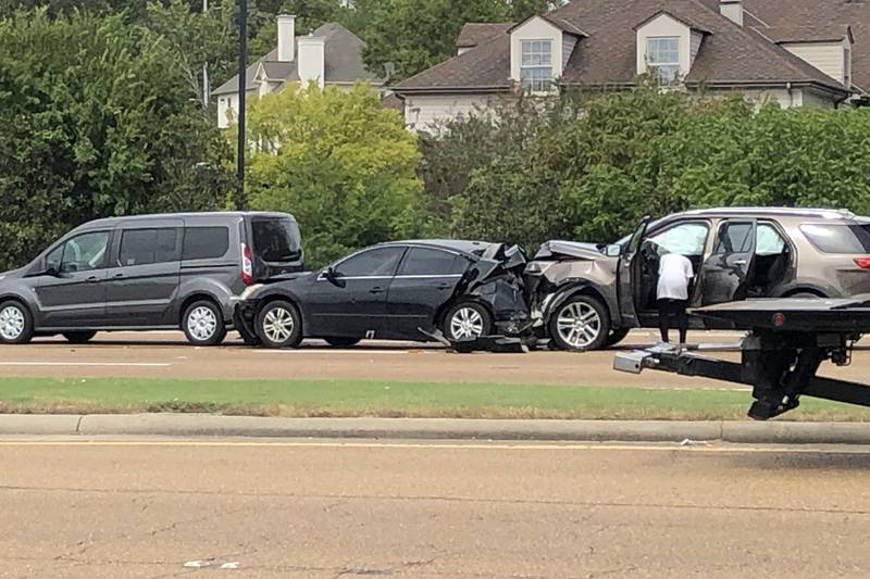 5 car pile-up on Lakeland has traffic at snails pace