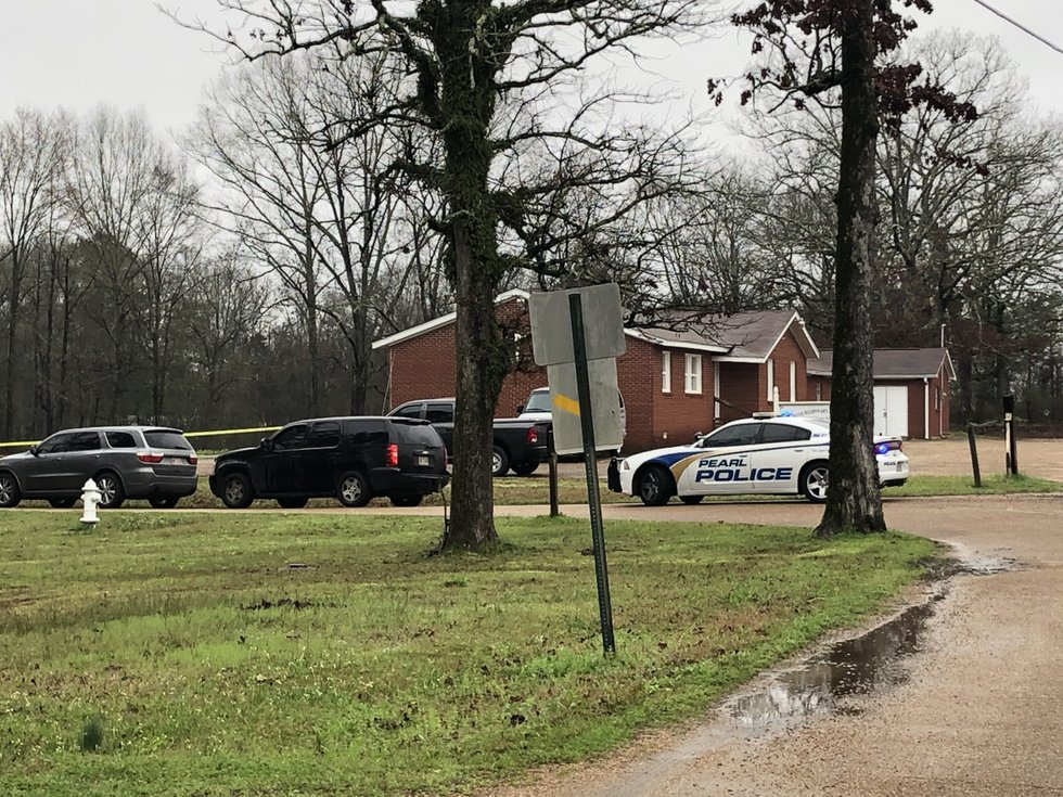 Pearl, Jackson police investigating suicide at Oak Grove Church in Pearl; Source: WLBT