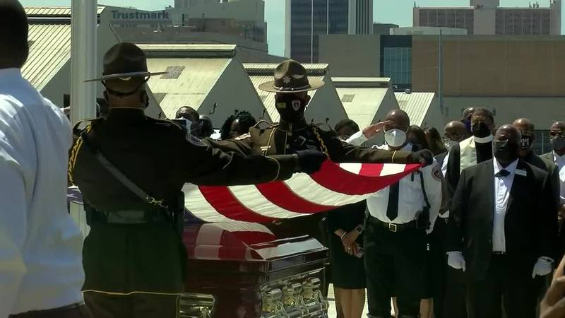 Hundreds come out to celebrate life of Sheriff Lee Vance, thanking him for a job well done