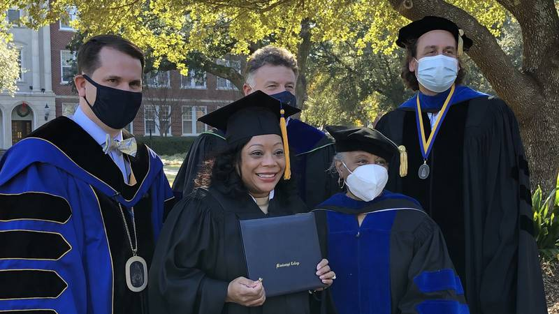 WLBT's Maggie Wade surprised with degree from Mississippi College